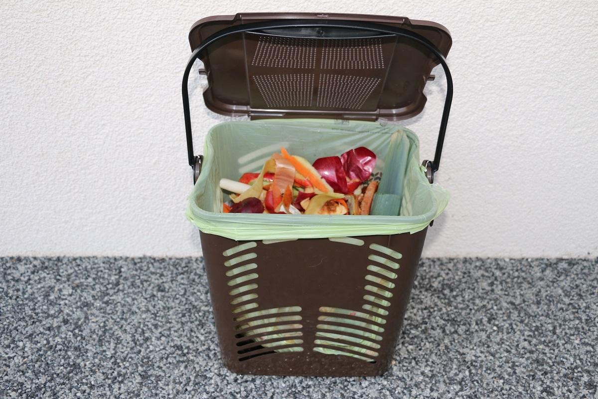 kôš na bioodpad, vrecká na bioodpad, sáčky na bioodpad, košík na bioodpad