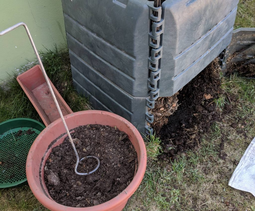 kompostér, prekopávač kompostu